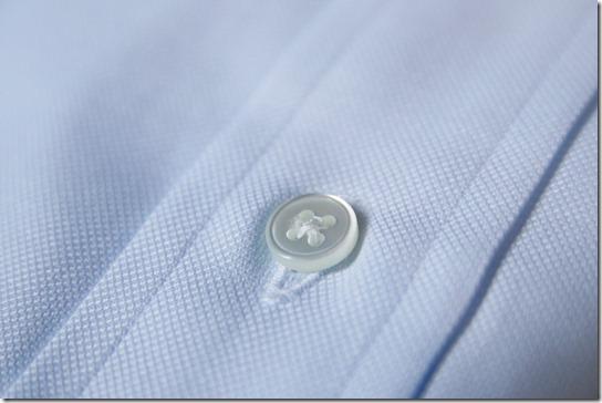 鎌倉シャツの白蝶貝ボタン