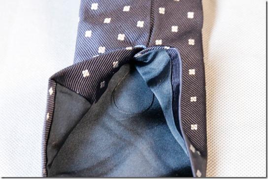 鎌倉シャツのネクタイの裏側