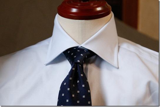 鎌倉シャツのネクタイとシャツ