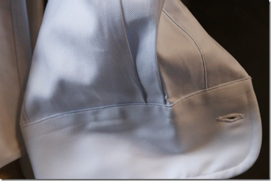 シャツの袖