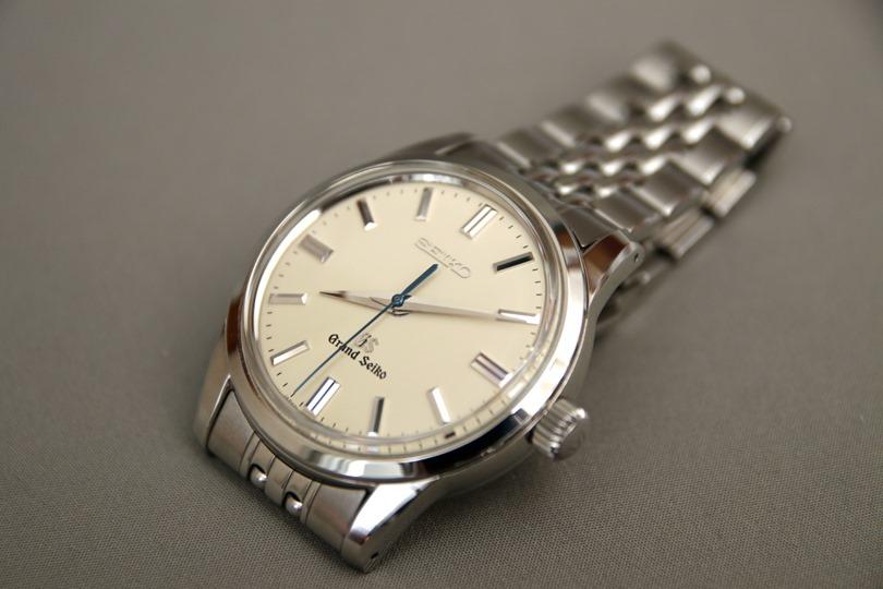 the best attitude 917d2 7a19d 汗に強い腕時計の革ベルトを試す | サラリーマンのファッション ...