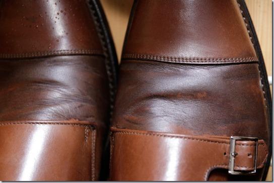 雨に濡れた靴