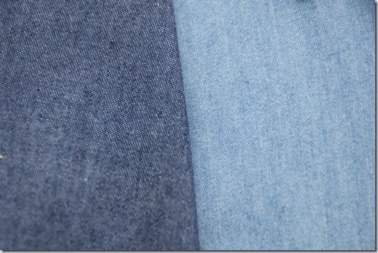紺と水色のデニム生地