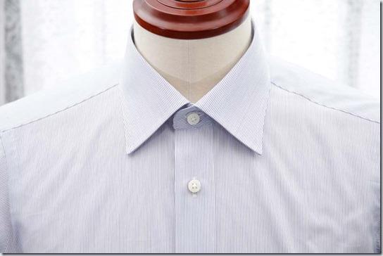 トルソーに着せたシャツの襟