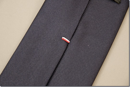 ネクタイのかんぬき止め