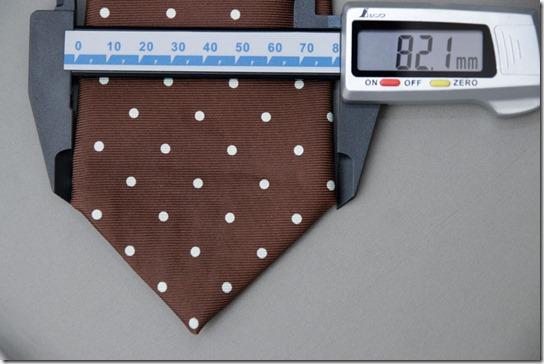 ネクタイの大剣幅