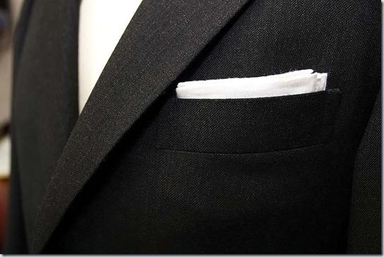 胸ポケットとポケットチーフ