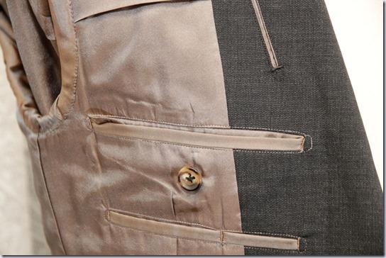 スーツの内ポケット(フタ無し)