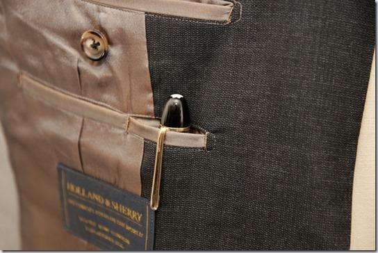 スーツのペンポケット