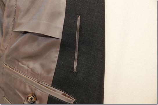 スーツのチケットポケット